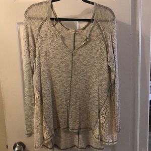 Lightweight sweater with lace sides